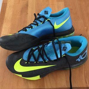separation shoes 63cb1 f2a28 Nike Shoes - Nike
